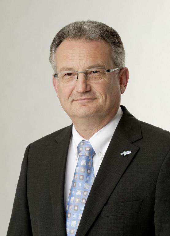 Dr. Werner Struth.