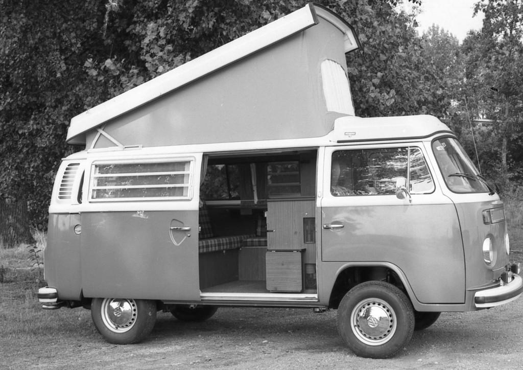 Eine der ersten Camping-Einrichtungen von Westfalia im VW Bus.