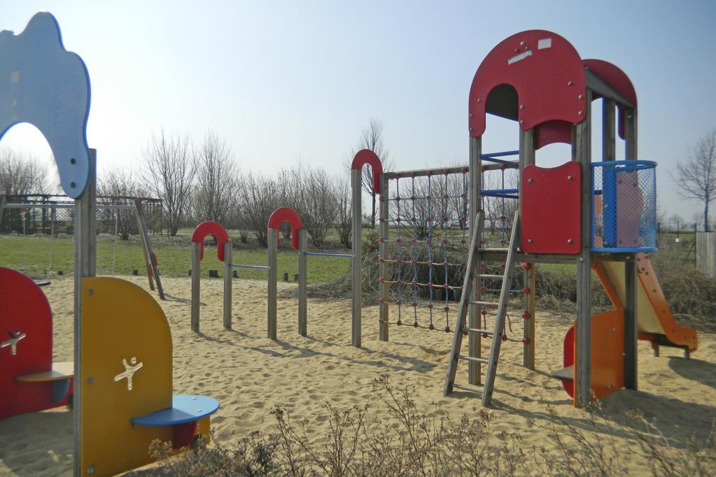 Einen Kinderspielplatz für den Nachwuchs hat nicht jede Anlage.