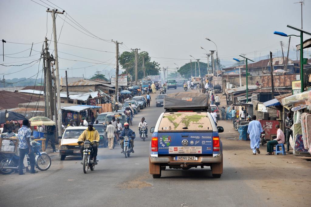 Eintreffen der Amarok-Fahrzeuge in Abuja, Nigeria.