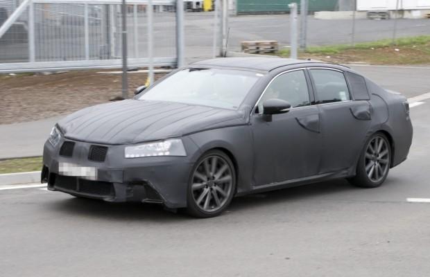 Erwischt: Erlkönig Lexus GS – Mehr Risiko im September