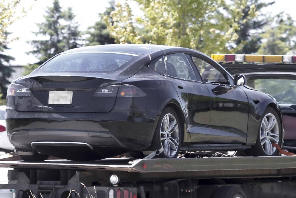 Erwischt: Erlkönig Tesla Model S