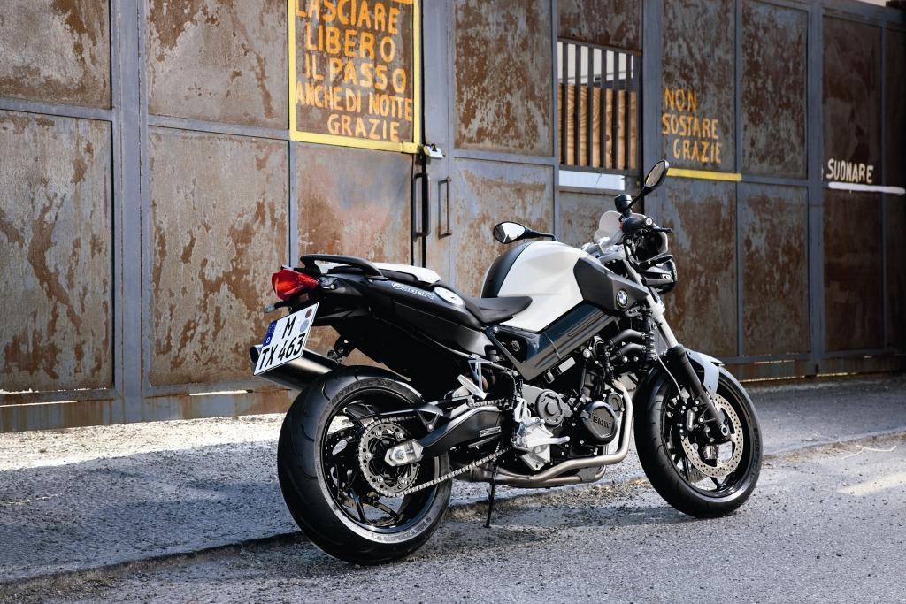 Fahrbericht BMW F 800R: Harte Schale - weicher Kern