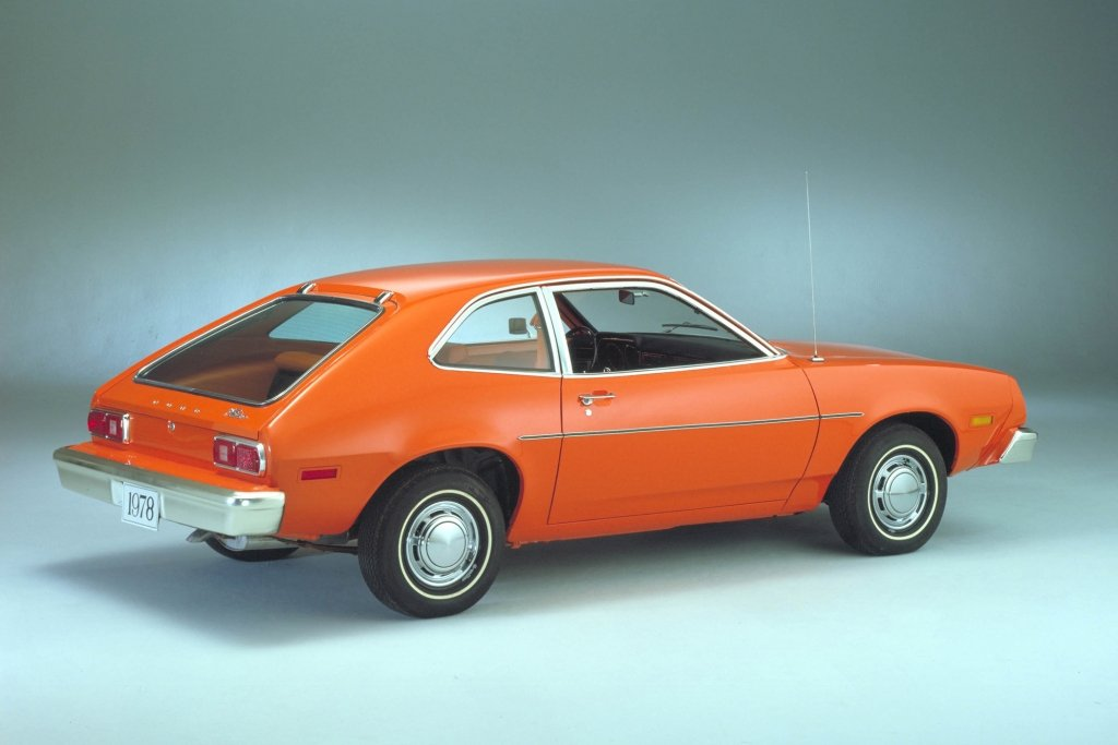 Ford nahm die Schrägheckidee 1978 beim Pinto auf.