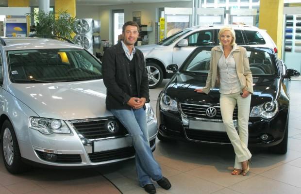 Frauen übernehmen das Steuer in der automobilen Oberklasse