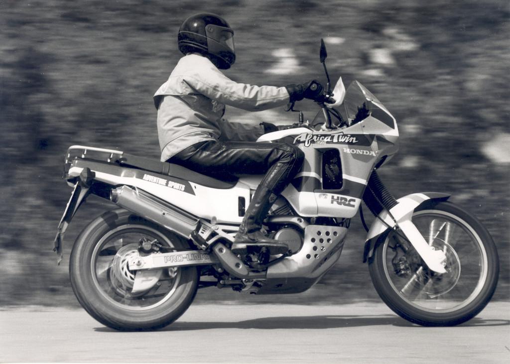 Honda Africa Twin (1988).