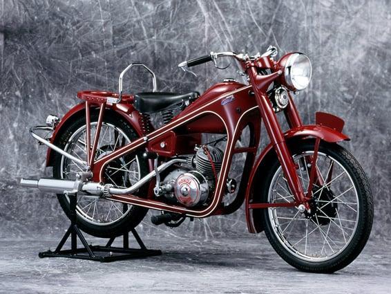 Honda Dream D (1949).