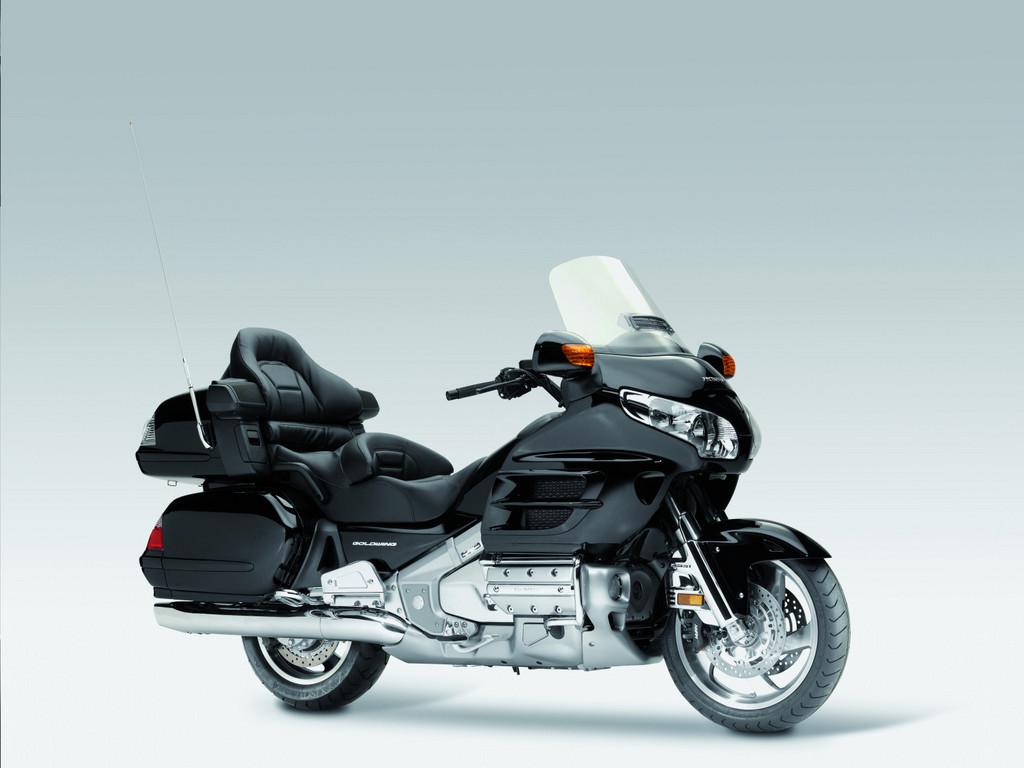 Honda Gold Wing, seit 2006 mit Airbag erhältlich.