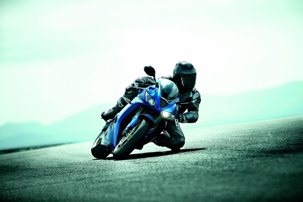 Im Bereich der Supersportmotorräder bietet Triumph die 11 240 Euro teure Daytona 675 und ihre Schwester Daytona 675R zum Preis von 12 740 Euro an.