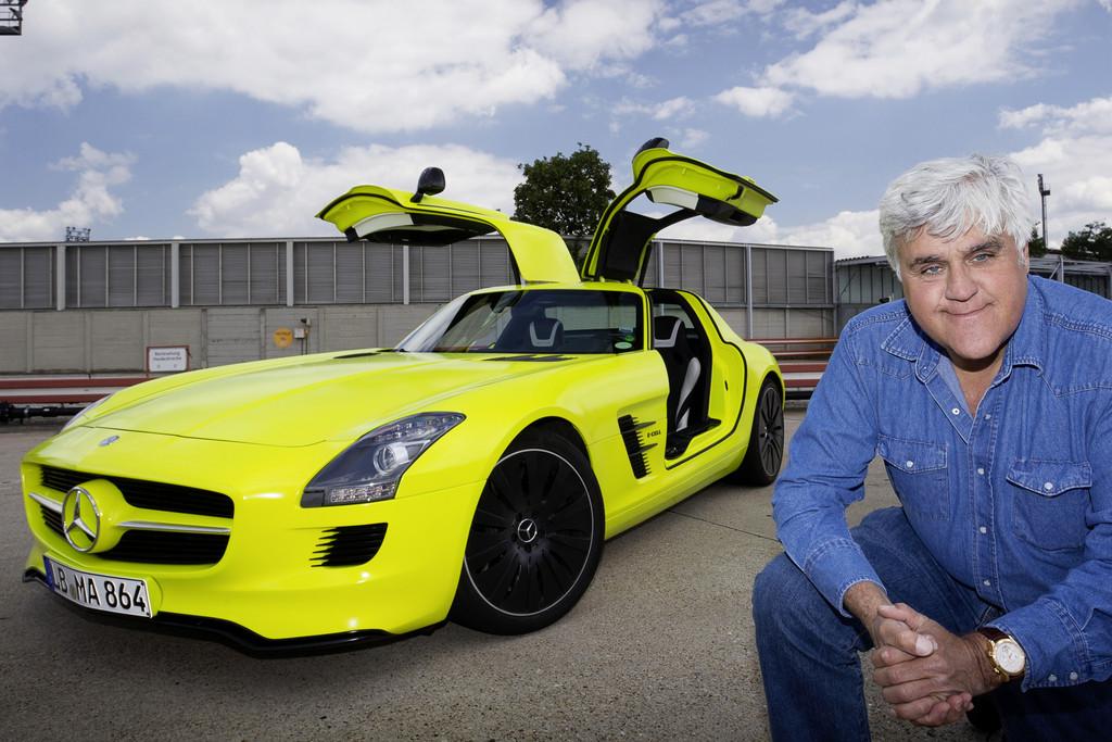 Jay Leno baut bei AMG einen Achtzylinder-Motor