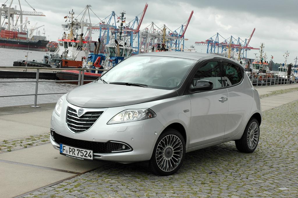 Lancias Ypsilon wirkt wie ein Dreitürer aus, ist aber ein Fünftürer.