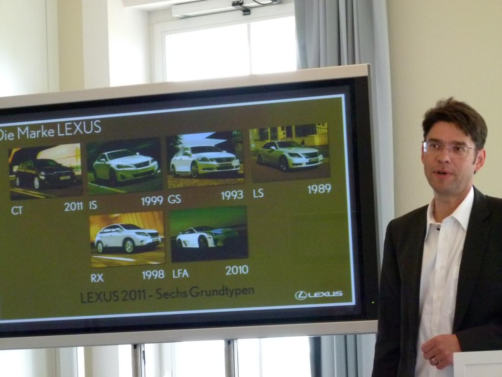 Lexus CT 200h: Erster Vollhybrid der Kompaktklasse mit kleinen Schönheitsfehlern | Karsten Rehmann, Lexus Presse