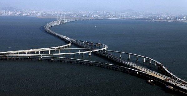 Megaprojekt: Chinesen öffnen Jiaozhou Bay Bridge