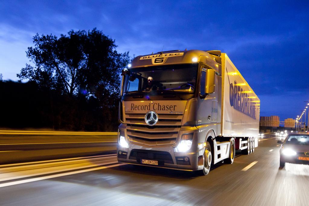 Mercedes Actros: Telematik immer an Bord