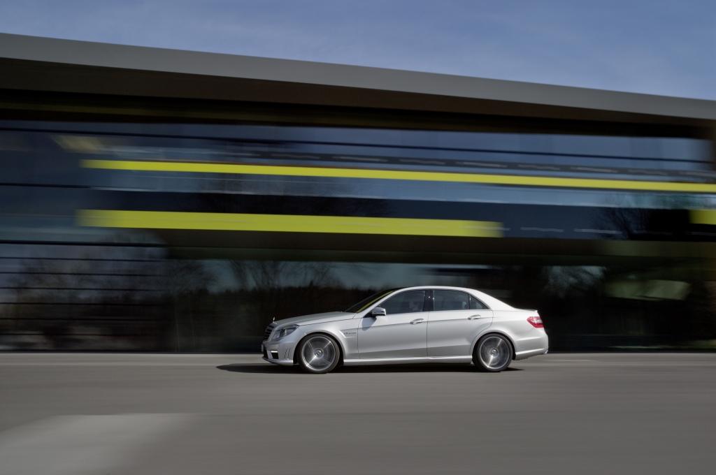 Mercedes-Benz E 63 AMG - Zwischen Gentleman-Limousine und Machohammer