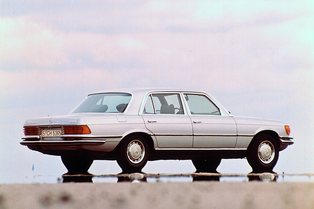 Mercedes-Benz bei den Schloss Dyck Classic Days: Mercedes-Benz 450 SEL 6.9 (Baureihe W 116, 1972 bis 1980) aus dem Jahre 1975.