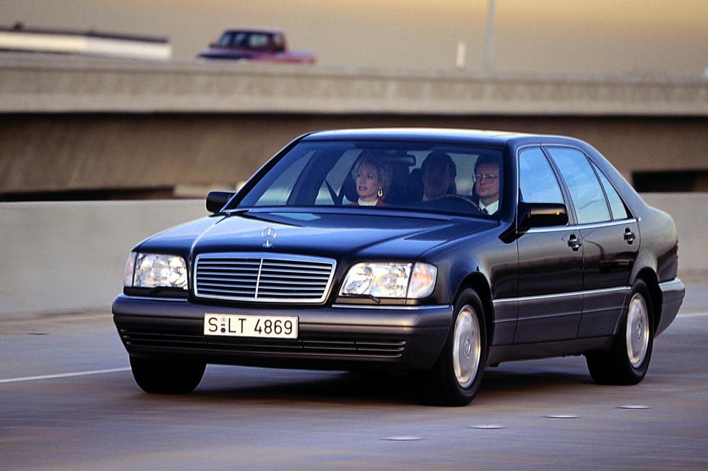 Mit dem S600 reagierte Daimler auf den V12 im BMW 7er