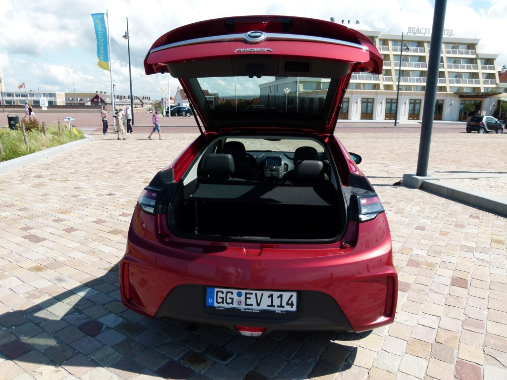 Opel Ampera: Alltagstauglicher Stromer ohne Reichweitenprobleme