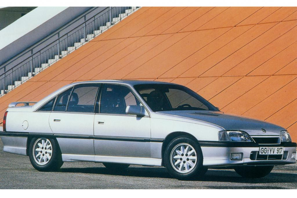Opel Omega A 3000 24V, von 1990