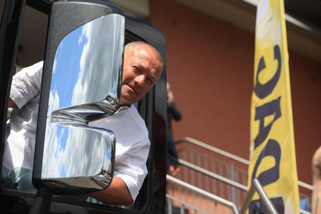 Parkplatznot - Trucker auf der Suche nach Ruheplätzen