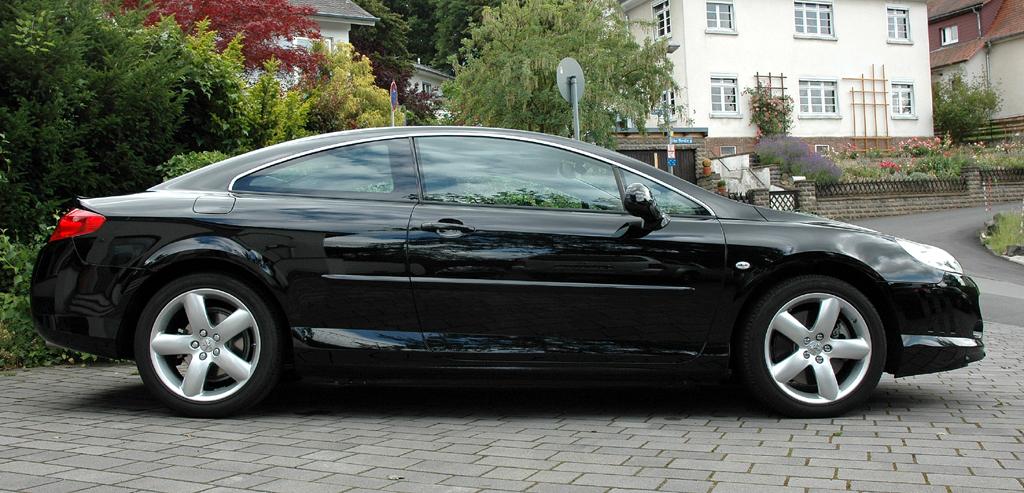 Peugeot 407 Coupé: Und so sieht der flache Zweitürer von der Seite aus.