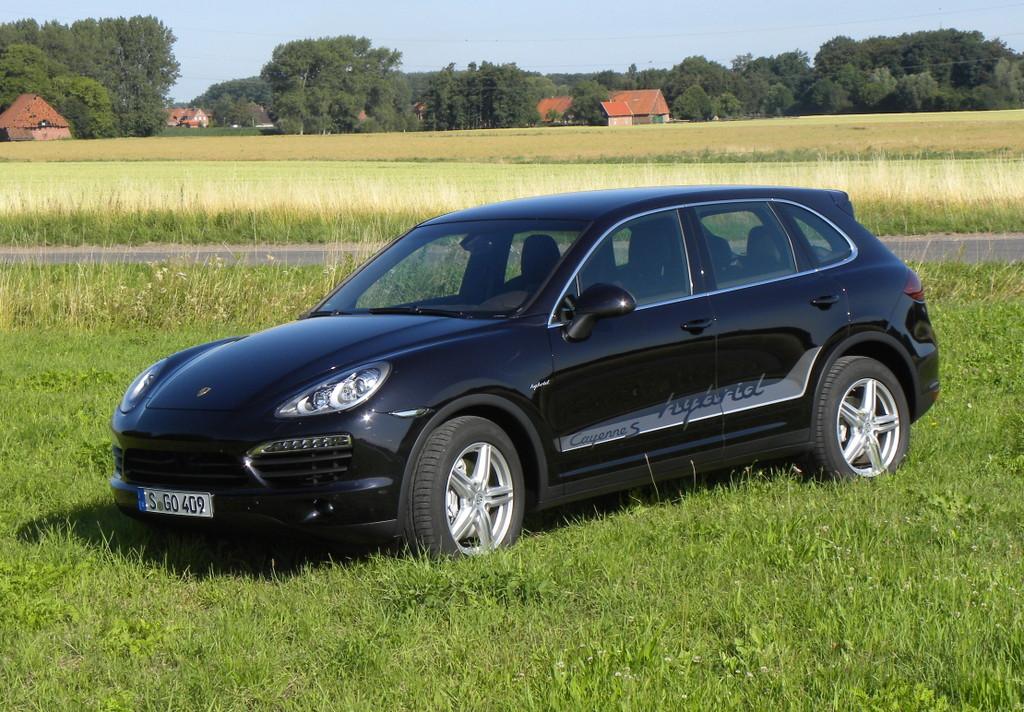 Porsche Cayenne S Hybrid.
