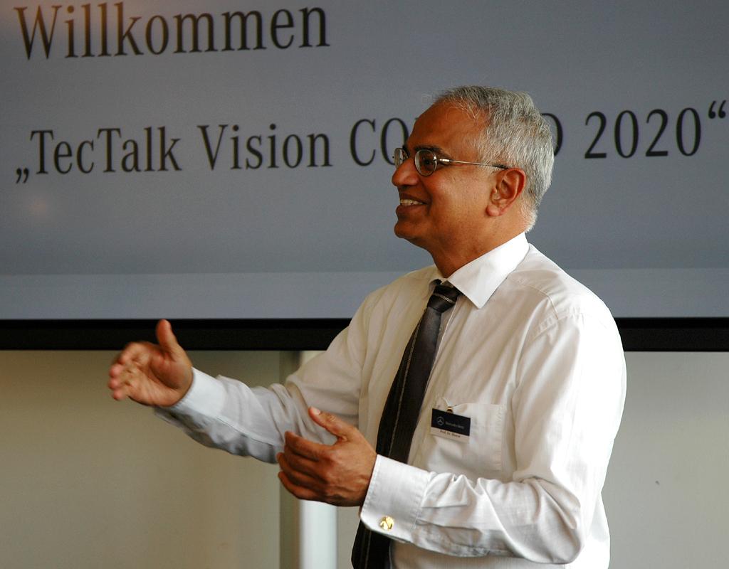 Professor Dr. Bharat Balasubramanian beim Daimler-TecTalk