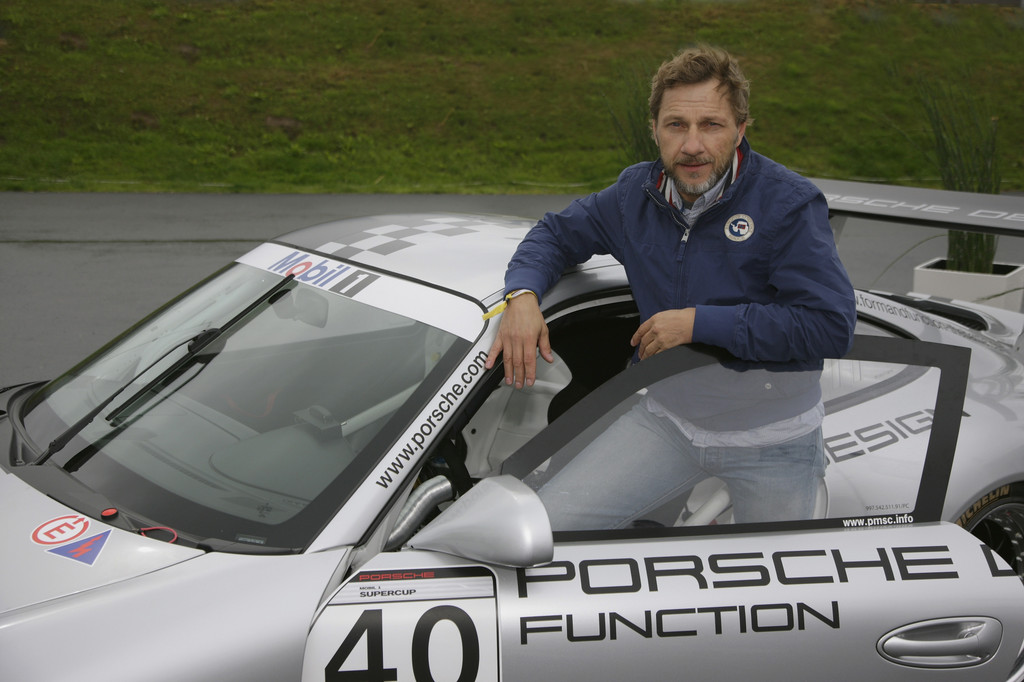 Schauspieler Richy Müller zu Gast bei Porsche auf dem Nürburgring
