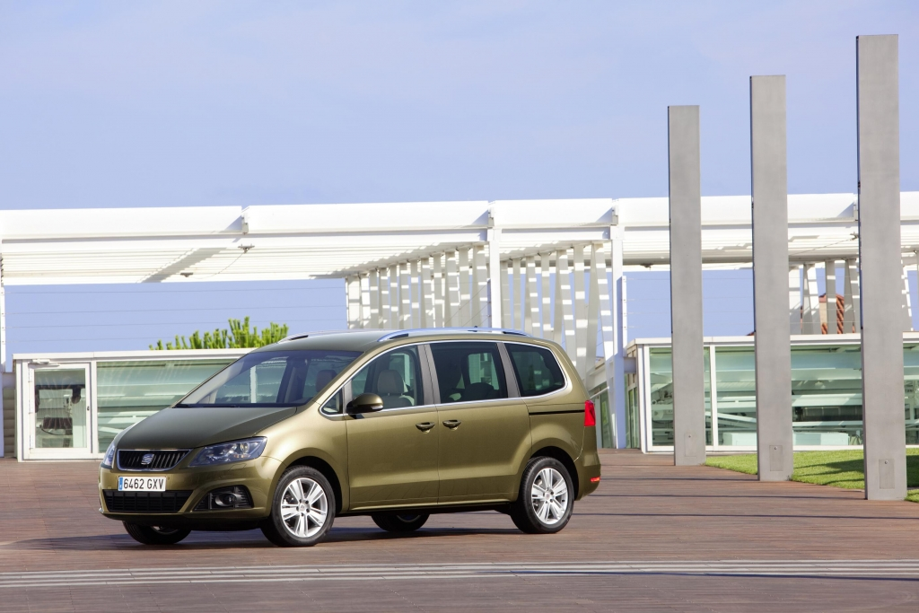 """Seat Alhambra """"Firmenauto des Jahres 2011"""" in der Kategorie Maxivan"""