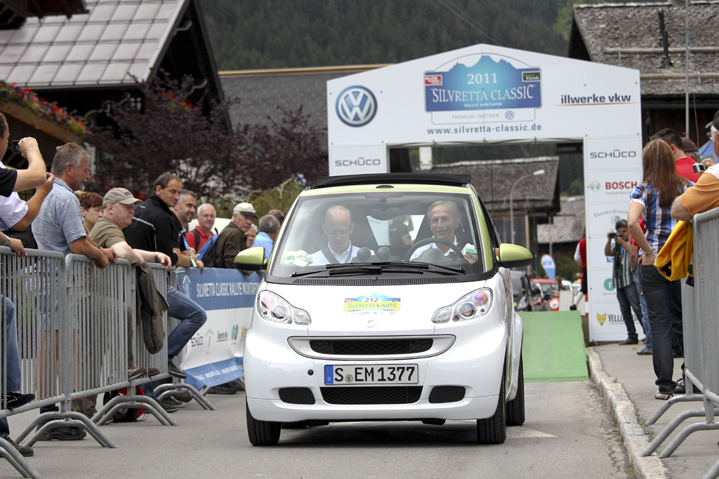 Silvretta E-Auto Rallye 2011: Smart Electric Drive beim Start in Partenen.