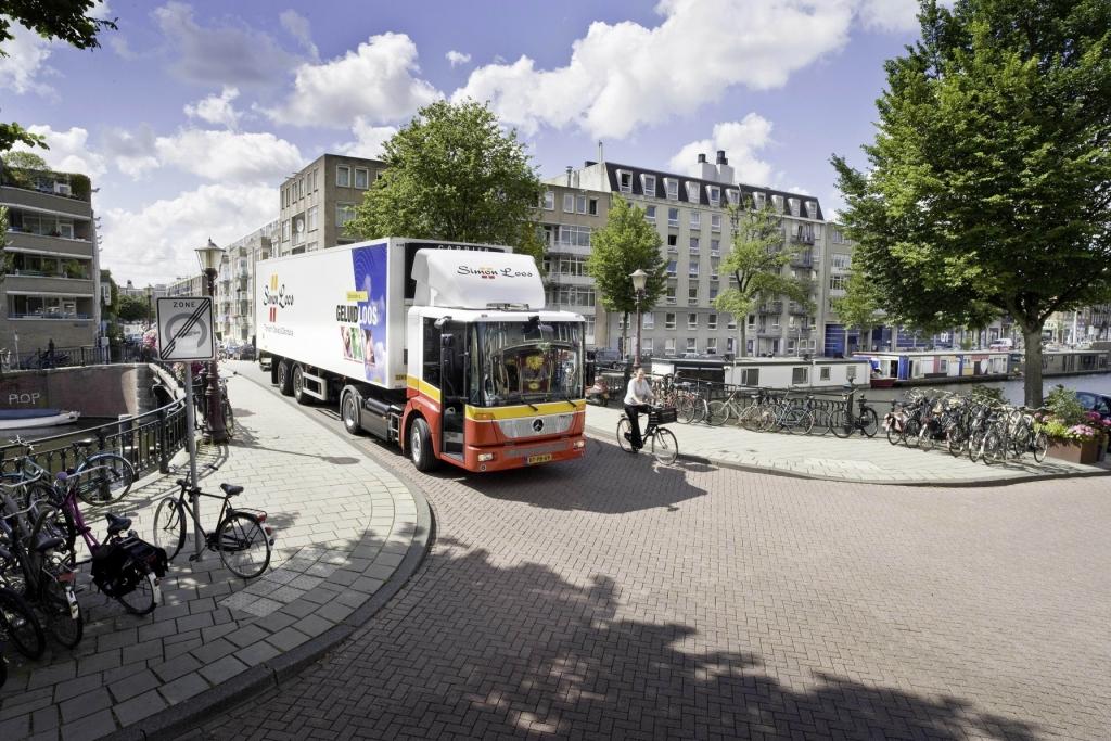 Simon Loos Logistic Niederlande bestellt 30 Mercedes-Benz Econic NGT