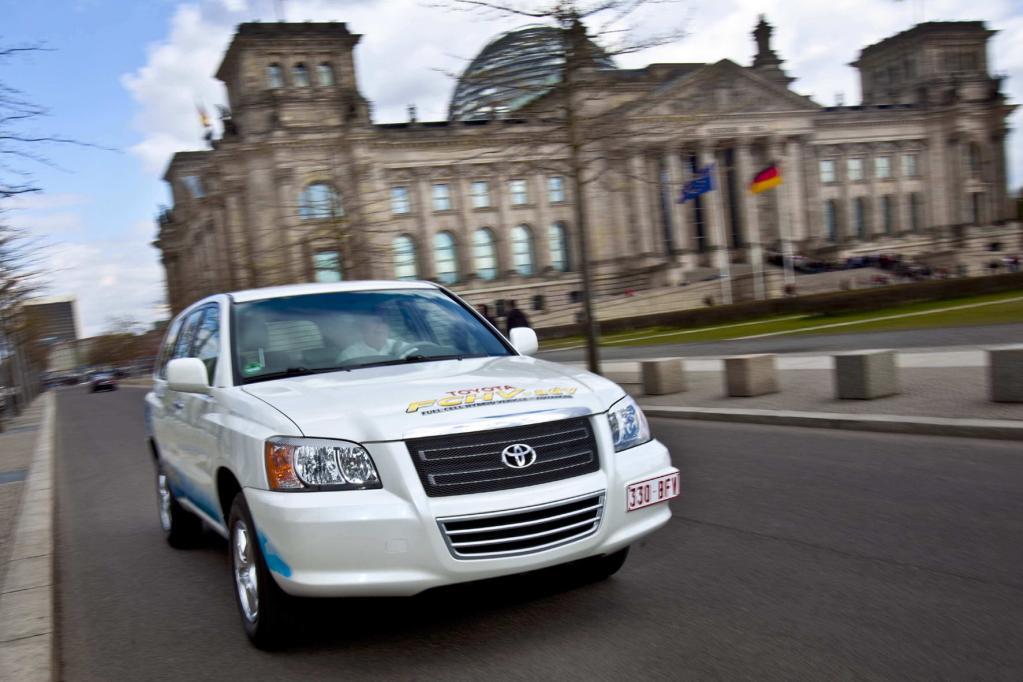 Toyota FCHV adv: Tröpfchenleger