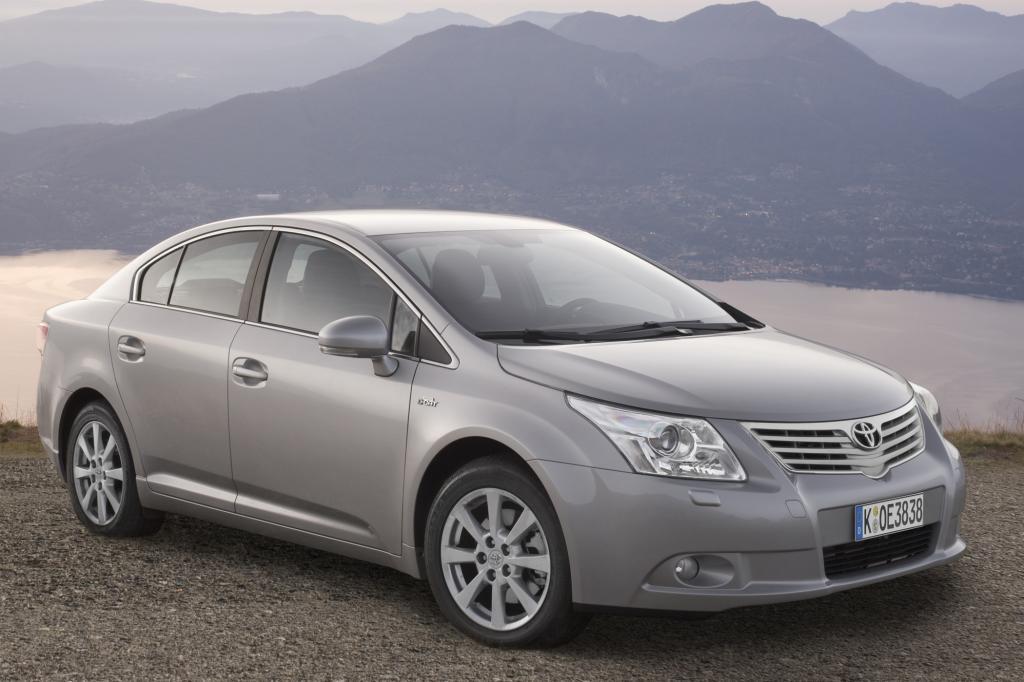 Unauffällig und edel präsentiert sich der Avensis
