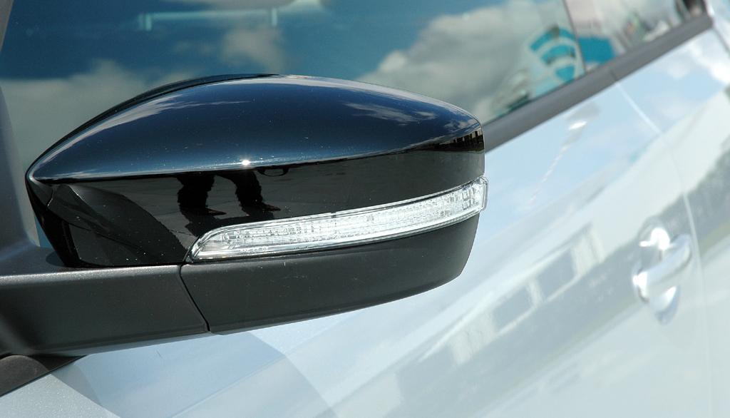 VW Beetle: In den Außenspiegel sind Blinkerleisten integriert.