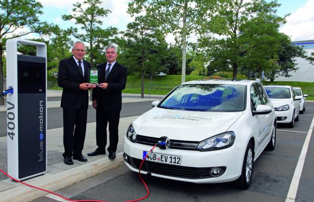 Volkswagen Golf Blue-e-Motion erhält e Car Award