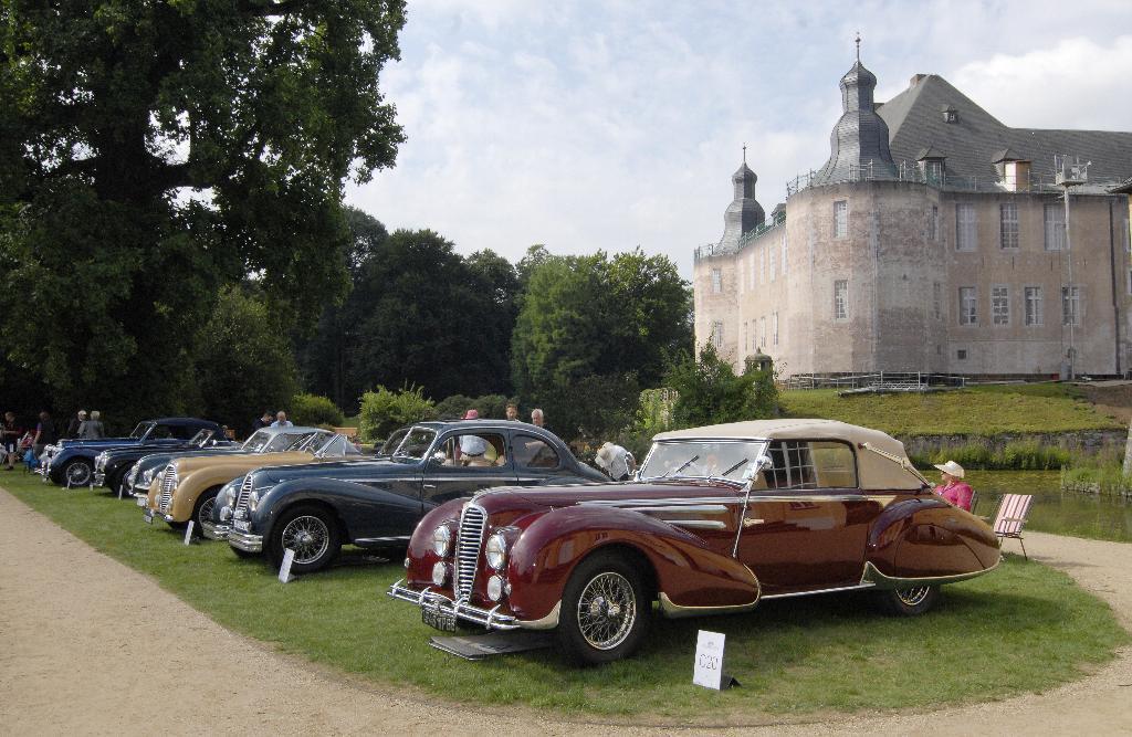 Über 3 000 Klassiker werden sich vor Schlosskulisse präsentieren.