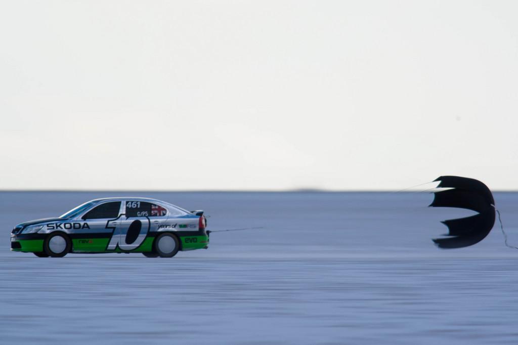 Škoda Octavia ist in Bonneville über 325 km/h schnell
