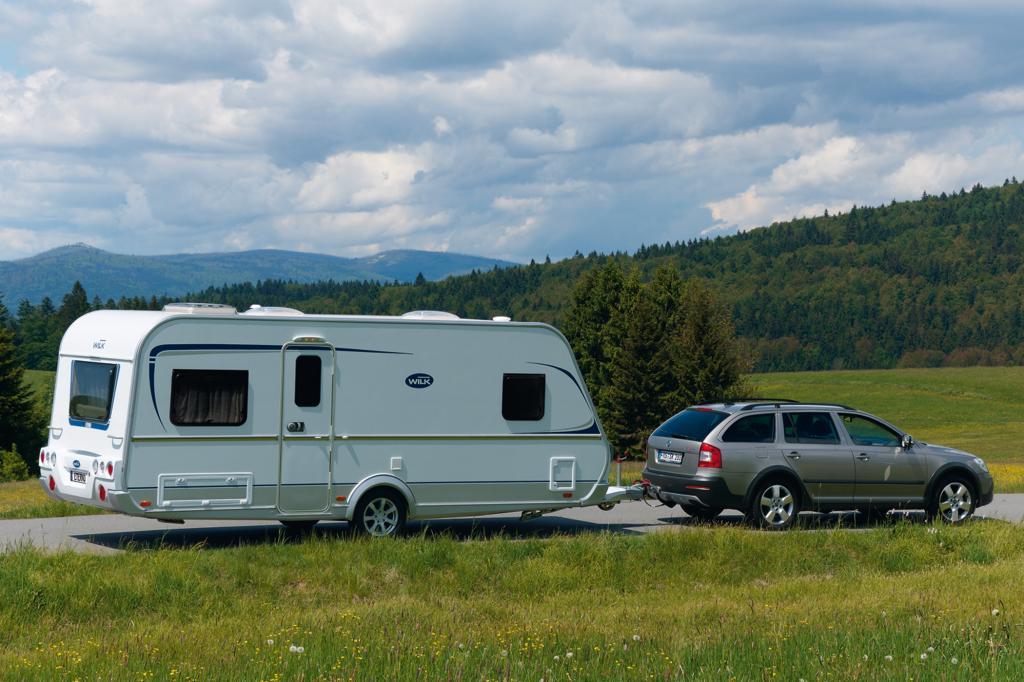 Auf Urlaubreise mit dem Wohnwagen - Lkw-Parkplätze sind tabu