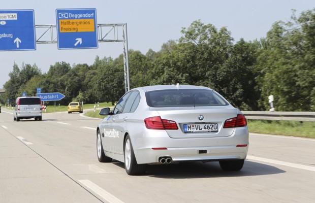 BMW 5er mit Autopilot - Von Geisterhand gesteuert über die Autobahn
