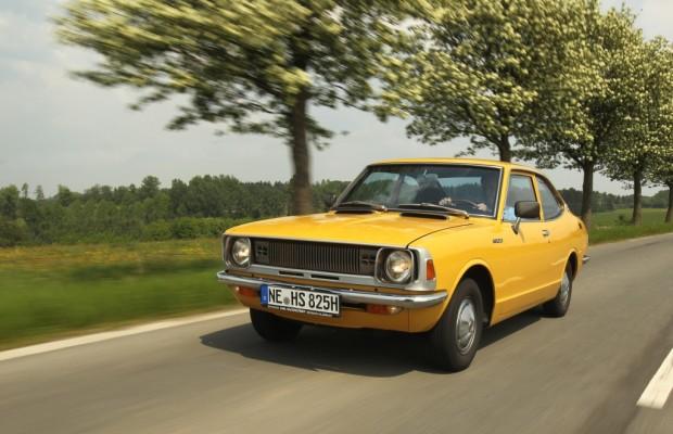 Classic Days: Toyota kommt mit ältestem Land Cruiser und erstem Corolla