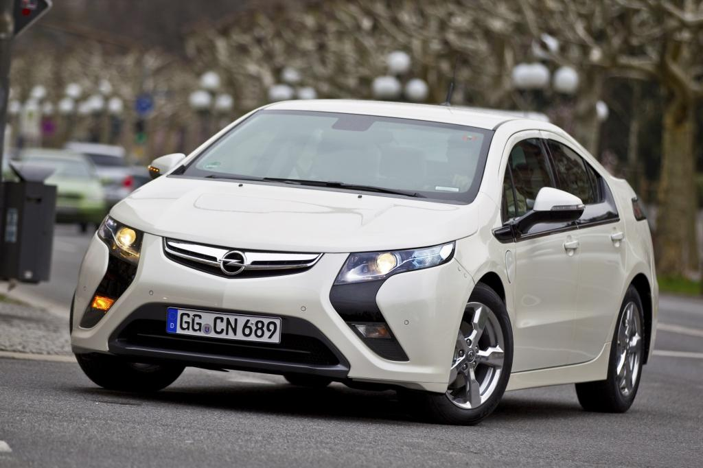 Der Opel Ampera öffnet den E-Auto-Reigen