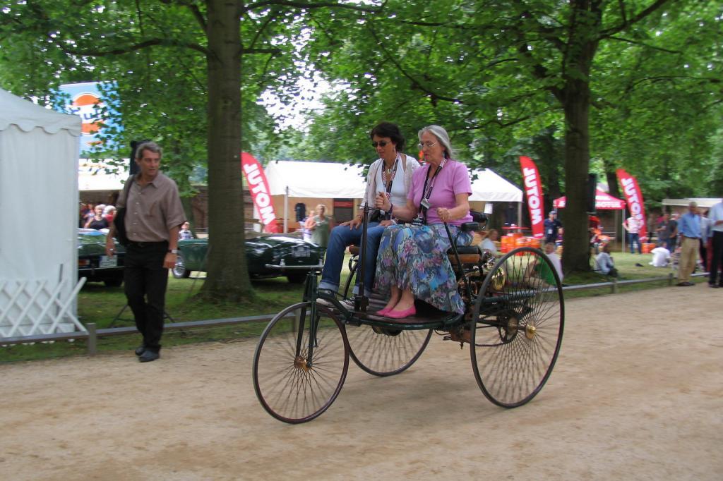Die Anfänge des Automobils stehen im Mittelpunkt der diesjährigen Schloss Dyck Classic Days.