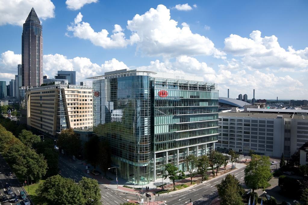 Die Deutschlandzentrale von Kia setzt architektonische Glanzlichter. Aber auch die aktuelle Modellpalette kann sich sehen lassen.