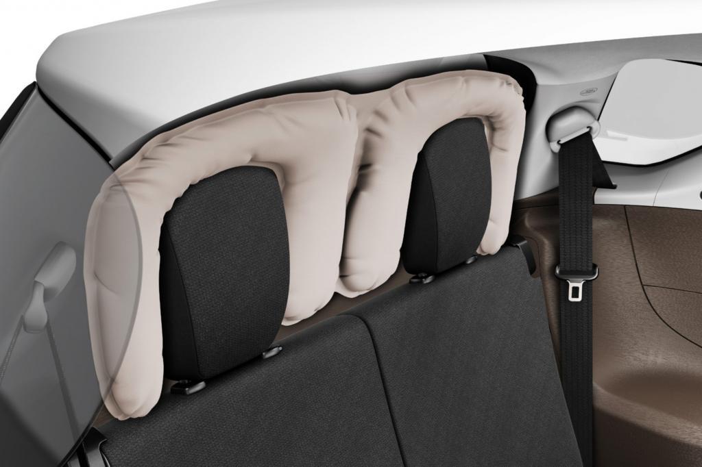 Ein Heck-Airbag schützt die Fond-Passagiere