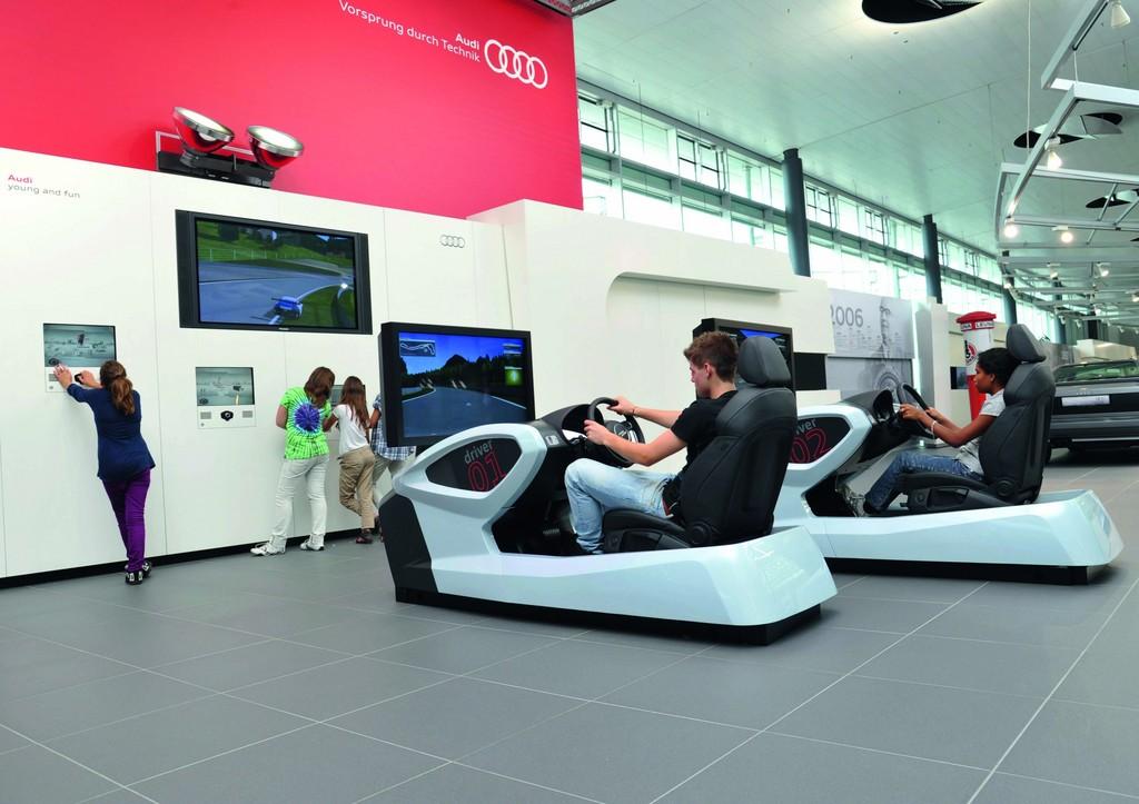Fahrsimulatoren für Kinder und Jugendliche im Alter von 7 bis 17 Jahren im Audi-Forum Neckarsulm.