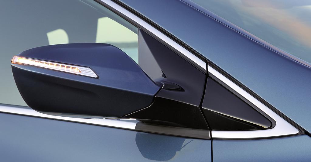 Hyundai i40-Kombi: In die Außenspiegel sind jeweils Blinkleisten integriert.