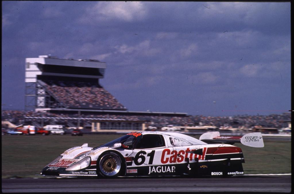 Jaguar XJR-9 (1988).