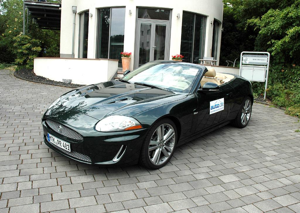 Jaguar XK, hier als Kompressor-aufgeladenes R-Cabrio mit 510 PS.