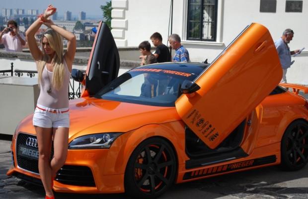 MISS TUNING-Kalender 2012: Mandy Lange zum Fotoshooting in Kroatien