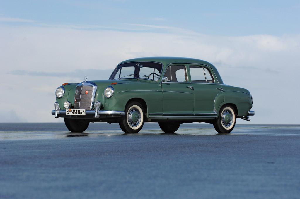 Mercedes-Benz Typ 220 der Baureihe W 180 (1954 - 1959).